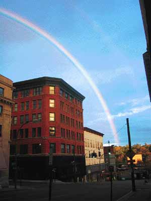The image http://www.log24.com/log/pix05/050525-Rainbow.jpg cannot be displayed, because it contains errors.