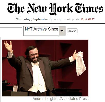 Pavarotti takes a bow