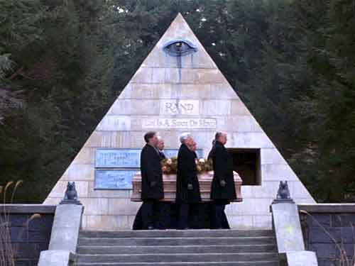 Masonic pyramid in  'Being There' (co-writer of screenplay-- Robert Jones)