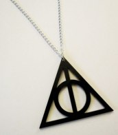 http://www.log24.com/log/pix11A/110505-DeathlyHallows.jpg