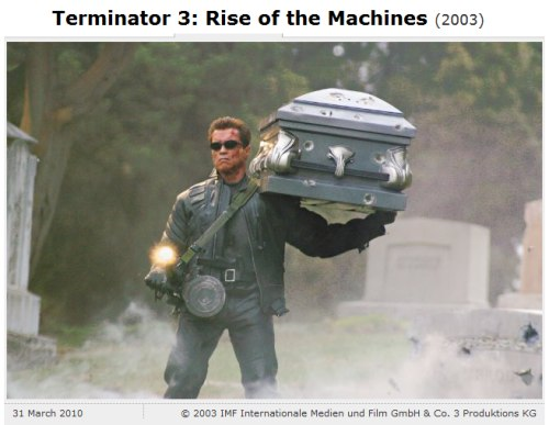 IMAGE- Schwarzenegger carries coffin in 'Terminator 3: Rise of the Machines'