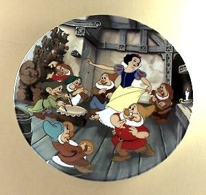 IMAGE- The dance of Snow White and the Seven Dwarfs