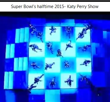 IMAGE- Halftime dance in 4x4 square, 2015 Super Bowl, with Katy Perry